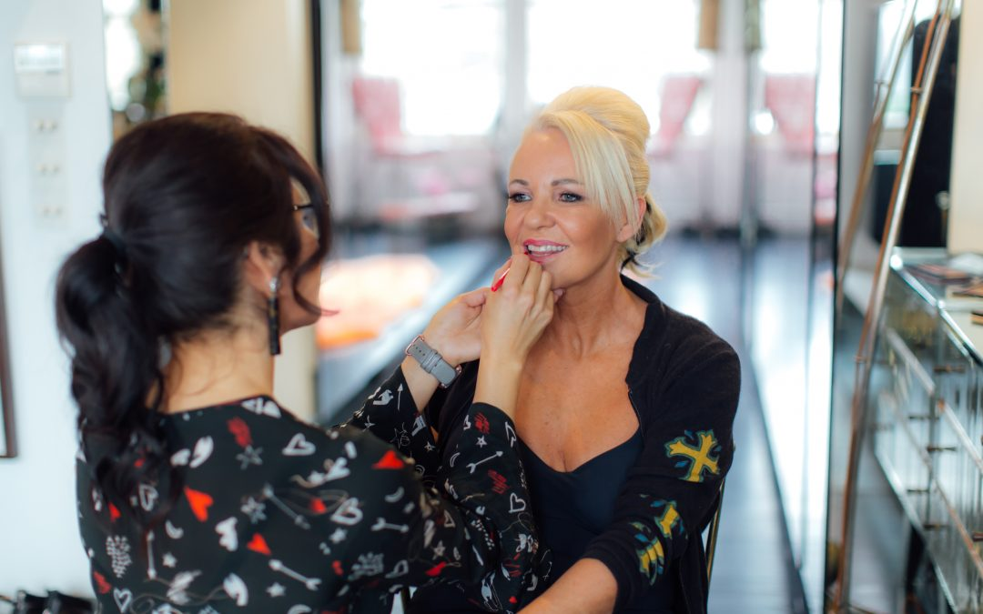Should You Hire A Hair And Makeup Artist For Your Photoshoot?